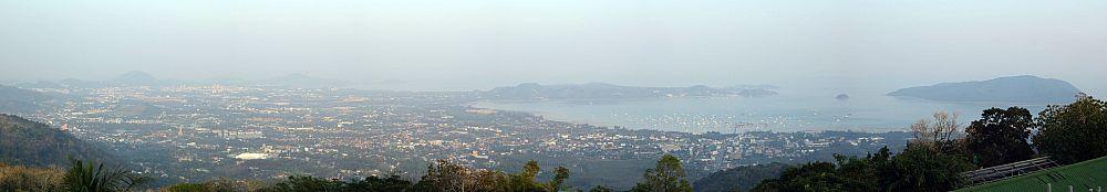 Тайланд. Панорама юго-востока Пхукета с Большого Будды