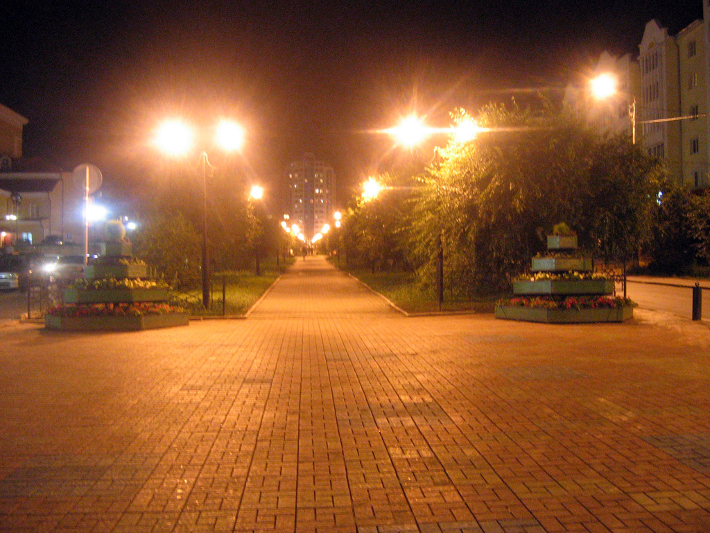 Бульвар Карла Маркса, вид на Солнечную бащню